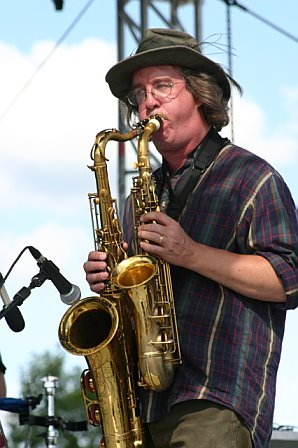 Dueling Saxes with the Everyone Orchestra at 10K Lakes 2006