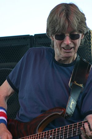 Phil Lesh Jams with His Friends at 10K Lakes 2006