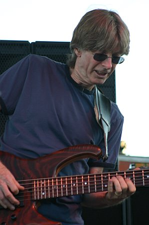 Phil Lesh Strikes a Chord at 10K Lakes 2006
