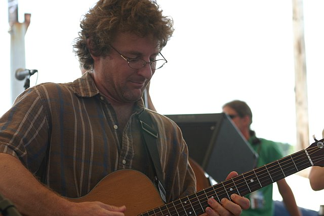 Railroad Earth's Todd Sheaffer at 10K Lakes 2006