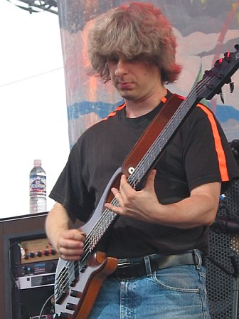 Mike Gordon Jams with Phish-mate Trey Anastasio at 10K Lakes 2006
