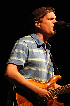 Umphrey's McGee's Brendan Bayliss at 10K Lakes - 2006