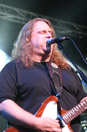 Warren Haynes with Gov't Mule in Tampa, Florida on November 5, 2006