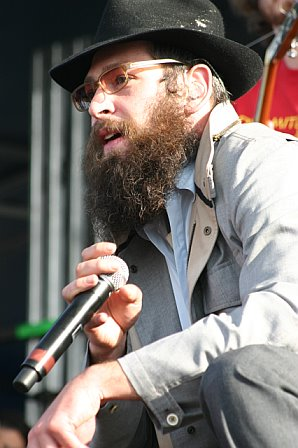 Matisyahu Watches the Crowd