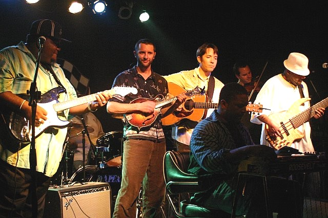 Alvin Lee, Zak Matthews, Nat Keefe, Roosevelt Collier, Aaron Redner, and Alvin Cordy, Jr. Jam (l-r) in St. Petersburg