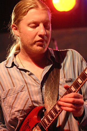 Derek Trucks Leads His Band